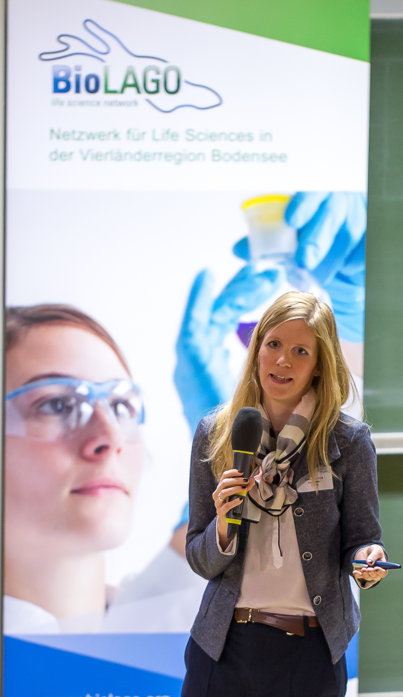 Germany_Dr. Inge Herrmann of EMPA from St. Gallen presents a new therapy against sepsis© BioLAGO