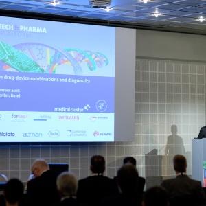 Dr. Lukas Engelberger gave the welcome speech of the Medtech & Pharma Platform.